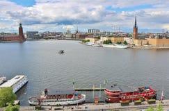 Widok Riddarfjärden w kierunku Riddarholmen i urzędu miasta Zdjęcia Stock