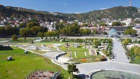 Widok Rike park z mostem pokój w Tbilisi, Gruzja zbiory wideo