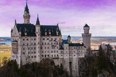 Widok romantyczny Neuschwanstein kasztel przy zmierzchem w Bavaria, Niemcy Obraz Stock