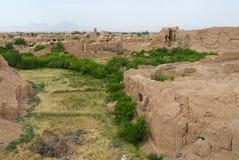Widok ruiny starzy gliniani budynki na przedmieściach Yazd, Iran Zdjęcia Stock