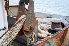 Widok rybołówstwo pracujący pokład mały Czarny Denny seiner fotografia royalty free