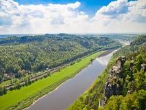 Widok rzeczny Elbe, Saxony, Niemcy Obrazy Stock