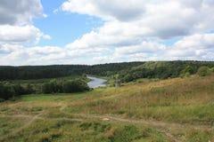Widok rzeka i pole Zdjęcie Stock