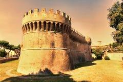 Widok rzymski kasztel Giulio II Ostia Antica, Rzym, - fotografia stock