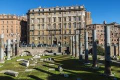 Widok rzymskie ruiny w Rzym, Włochy Obrazy Stock