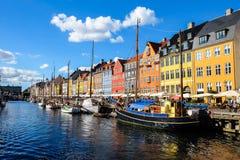 Widok Sławny Nyhavn w lecie, Kopenhaga, Dani data: Wrzesień 2016 Zdjęcie Royalty Free