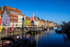 Widok Sławny Nyhavn w lecie, Kopenhaga, Dani data: Wrzesień 2016 Zdjęcia Royalty Free