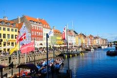 Widok Sławny Nyhavn w lecie, Kopenhaga, Dani data: Wrzesień 2016 Fotografia Stock