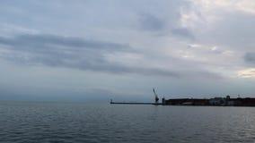 Widok Saloniki port, Grecja Chmurny eveniing przy nabrzeżem zbiory wideo