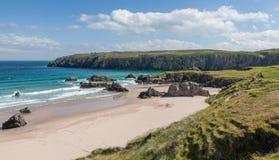 Widok Sango piaski wyrzucać na brzeg w Durness północny Szkocja fotografia royalty free
