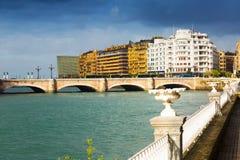 Widok Sant Sebastian z Santa Catalina mostem Obrazy Stock