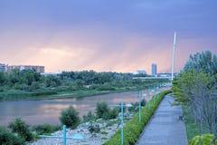 Widok Saragossa i swój rzeka w pada dniu fotografia royalty free