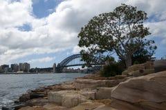 Widok schronienie bridżowa i piaskowcowa linia brzegowa obrazy royalty free