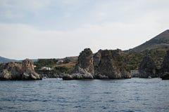 Widok Scopello od łodzi Zdjęcia Royalty Free