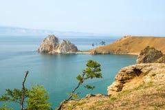 Widok Shamanka skała, przylądek Burhan na Olkhon wyspie baikal jezioro Russia Zdjęcia Stock