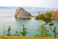 Widok Shamanka skała, przylądek Burhan na Olkhon wyspie baikal jezioro Russia Zdjęcie Stock