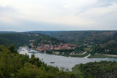 Widok Skradin na Krka rzece Fotografia Stock