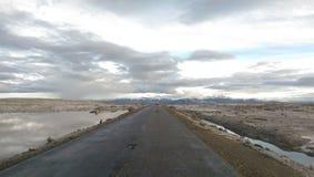 Widok snowcapped droga Colca jar i góry, Peru Zdjęcia Royalty Free