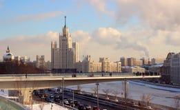 Widok spławowy most z gościami Zdjęcia Royalty Free