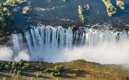 Widok spadki od wzrosta ptasi lot Victoria się oa park narodowy Zambiya i światowego dziedzictwa miejsce Zimb Zdjęcia Stock