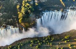 Widok spadki od wzrosta ptasi lot Victoria się oa park narodowy Zambiya i światowego dziedzictwa miejsce Zimb Obrazy Royalty Free