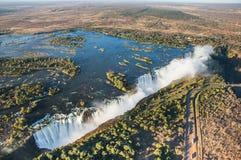 Widok spadki od wzrosta ptasi lot Victoria się oa park narodowy Zambiya i światowego dziedzictwa miejsce Zimb Obrazy Stock