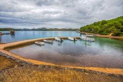 Widok spokój nawadnia i kolorowy, Kornati wyspy, Dalmatia, Chorwacja, /Mediterranean morze zdjęcia stock