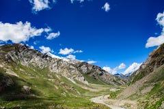 Widok sposób Zanskar dolina w słonecznym dniu obrazy royalty free