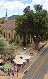 Widok sprzedawcy uliczni Zbliża Loretańską kaplicę zdjęcie royalty free