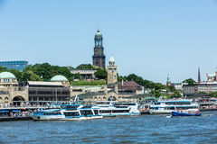 Widok St Pauli mola jeden Hamburgs ważny turystyczny attrac Zdjęcie Stock