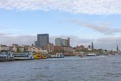 Widok St Pauli mola, jeden Hamburski ` s ważny turystyczny attr zdjęcia royalty free