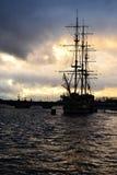 Widok St. Petersburg przy chmurnym zmierzchem Obraz Royalty Free