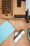 Widok stara kamera i maszyna do pisania Obraz Royalty Free