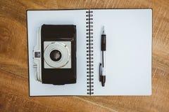 Widok stara kamera i notatnik Obrazy Royalty Free