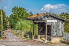 Widok stara taborowa przerwa, mała infrastruktura, rocznika drewniany budynek, cykl i pieszy ecopist w Viseu, obrazy stock
