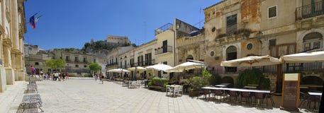 Widok stary centrum Scicli miasteczko, Unesco światowego dziedzictwa miejsce Zdjęcia Stock