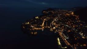 Widok stary Dubrovnik od powietrza przy półmrokiem zbiory wideo