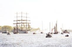 Widok statek parada w wieczór zmierzchu lub słońcu zdjęcie stock