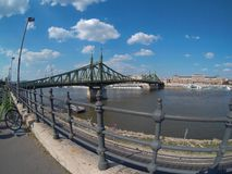 Widok swoboda most w Budapest fotografia stock