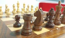 Widok szachowy kawałek na szachowej desce obraz royalty free