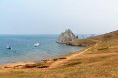 Widok szaman skała baikal jeziora baikal jezioro olkhon Rosji wyspy Rosja Zdjęcia Stock