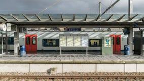 Widok szyldowy saying Brugge przy Brugge stacją kolejową Bruges, Belgia zdjęcia royalty free