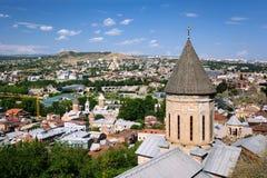 Widok Tbilisi w Pogodnej pogodzie zdjęcie royalty free