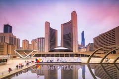 Widok Toronto urz?d miasta na wiecz?r obraz stock