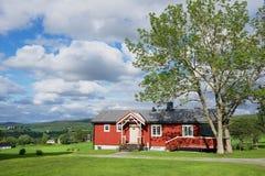Widok tradycyjny norwegu dom w Roli, Norwegia Zdjęcie Stock