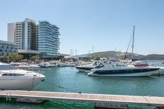 Widok Troia Marina z swój luksusowymi łodziami fotografia stock