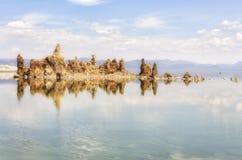 Widok tufa formacje przy Mono jeziorem, Kalifornia, usa Obrazy Stock