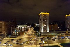 Widok ulica na ogródu pierścionku od dachu dom przy nocą moscow Rosja Obrazy Royalty Free