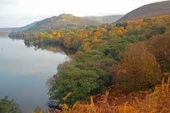 Widok Ullswater w jesieni fotografia stock