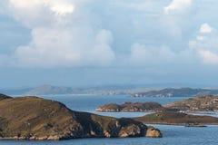 Widok w dużym stopniu bezludne Szkockie wyspy znać jako lato wyspy brać od stałego lądu, północ Polbain obraz royalty free